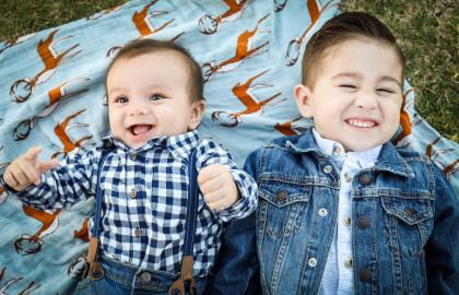 La dentizione di bambini e le prime carie